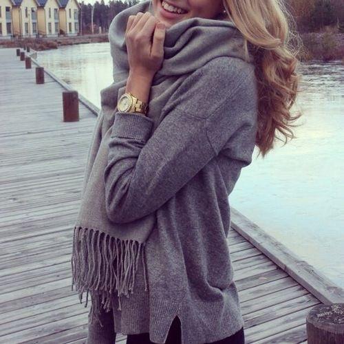 Eliane Porchet grey sweater