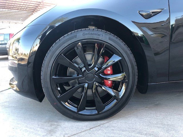 Tesla powdercoated wheel gloss black