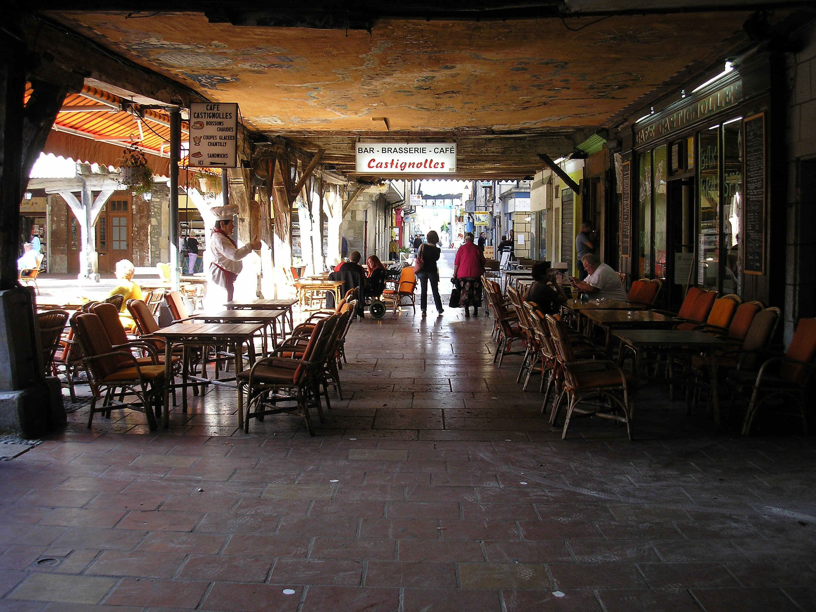 Arcade around the town square