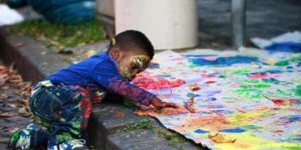 L'autonomie de l'enfant : dans la communication gestuelle et à travers ses premiers dessins