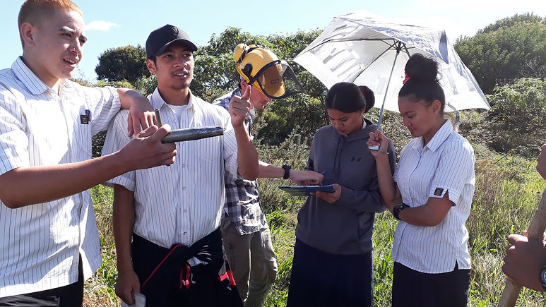 manurewa high school learning about gardening