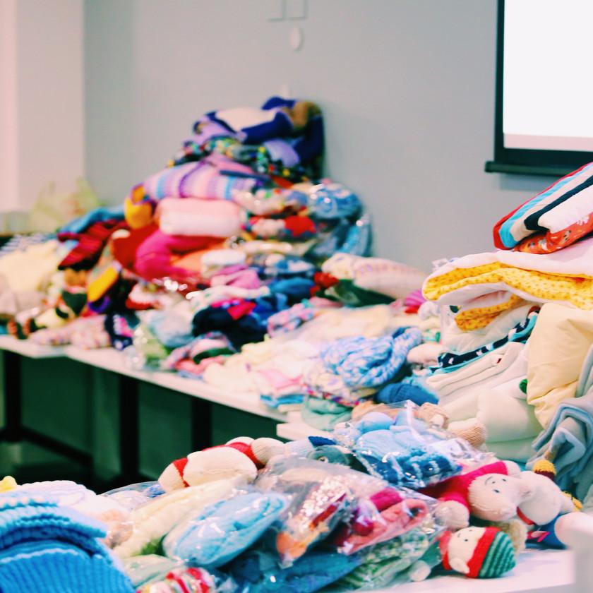 Middlemore Foundation Knitter Natter knitting
