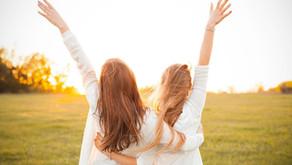 """""""Bir Çocuk Sevdim"""": Ergenlikte yola birlikte devam edebilmek"""