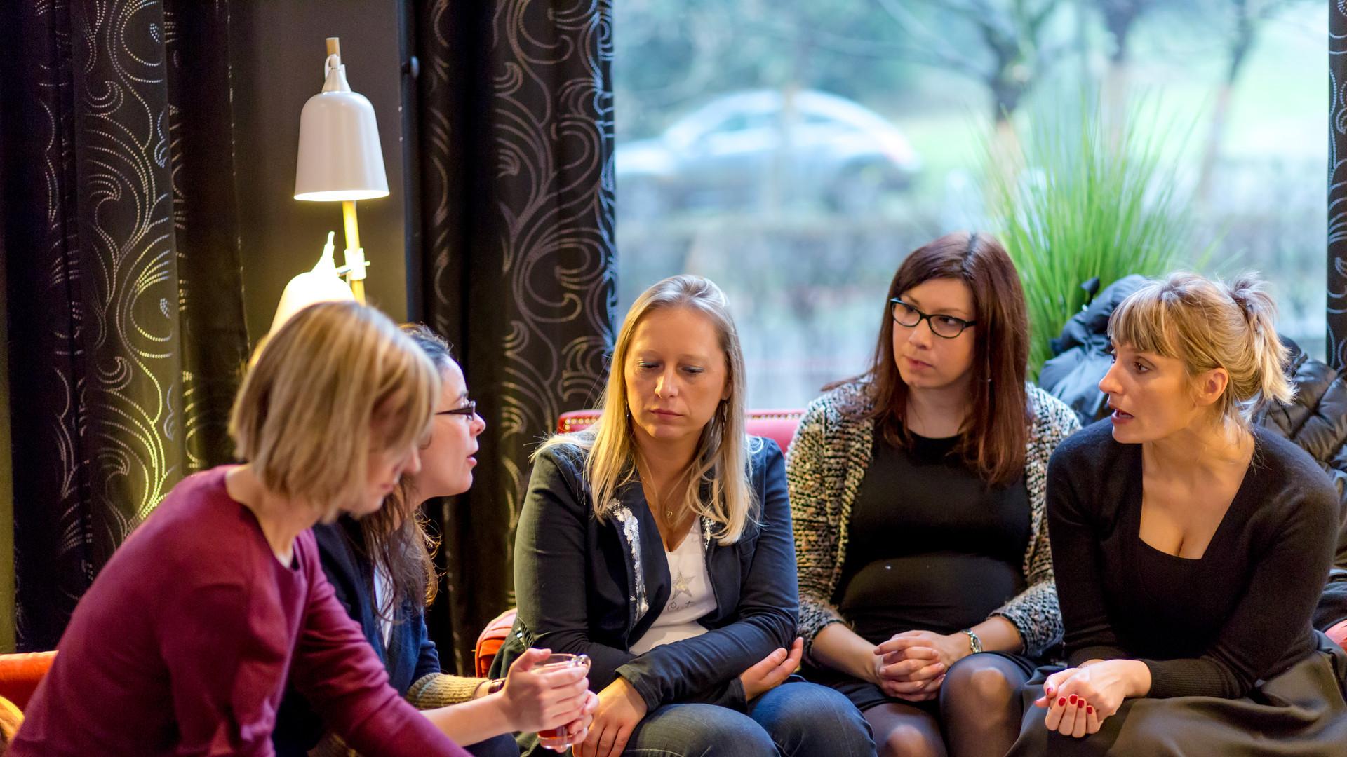 Anne-Catherine Nullens (au centre), Céline Bulté et Madeleine Brilot
