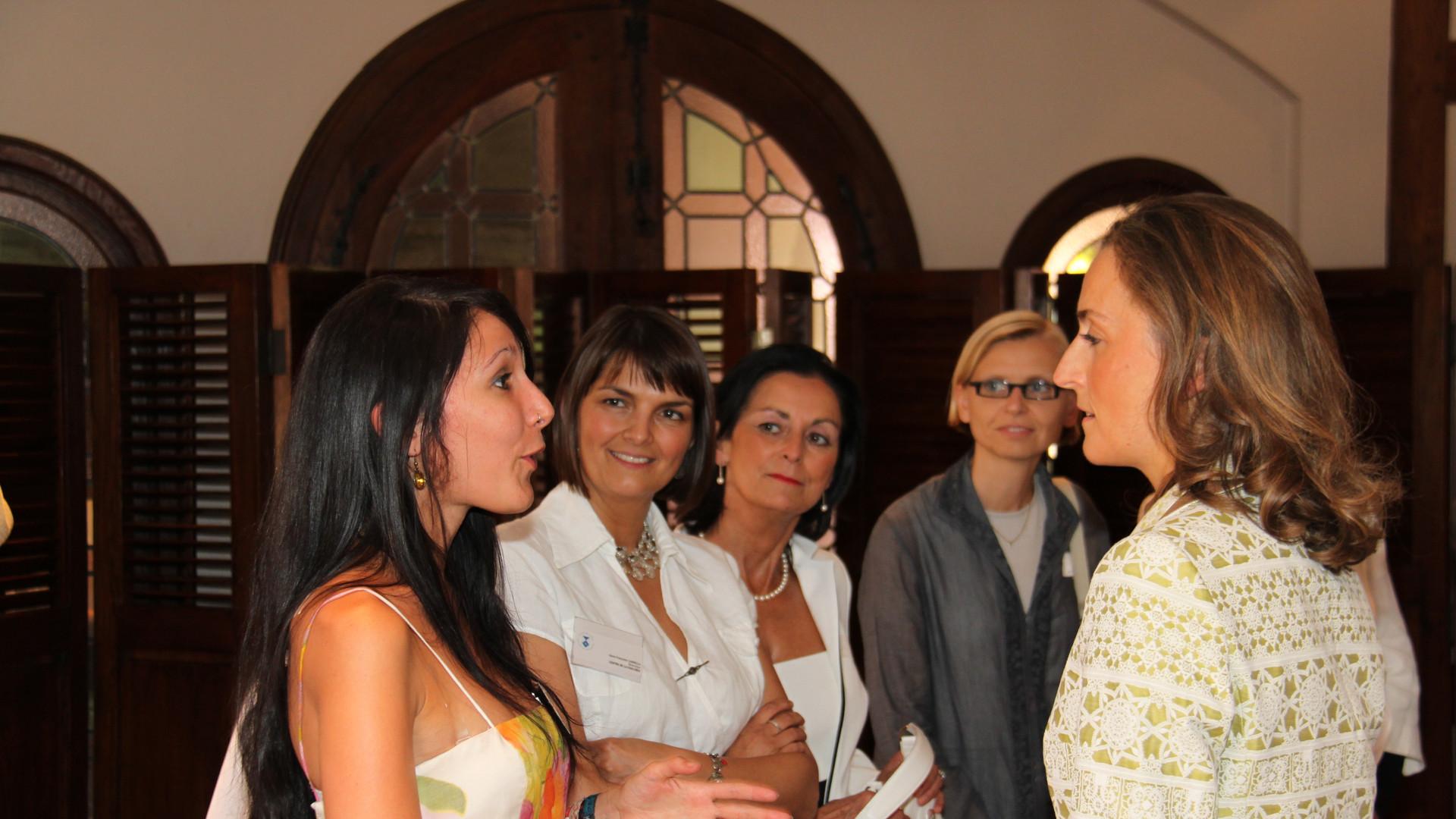 Sophie Damoiseau,  Anne-Françoise Cannella, Nicole Plumier et Corinne Roger (avec la princesse Claire en 2009)