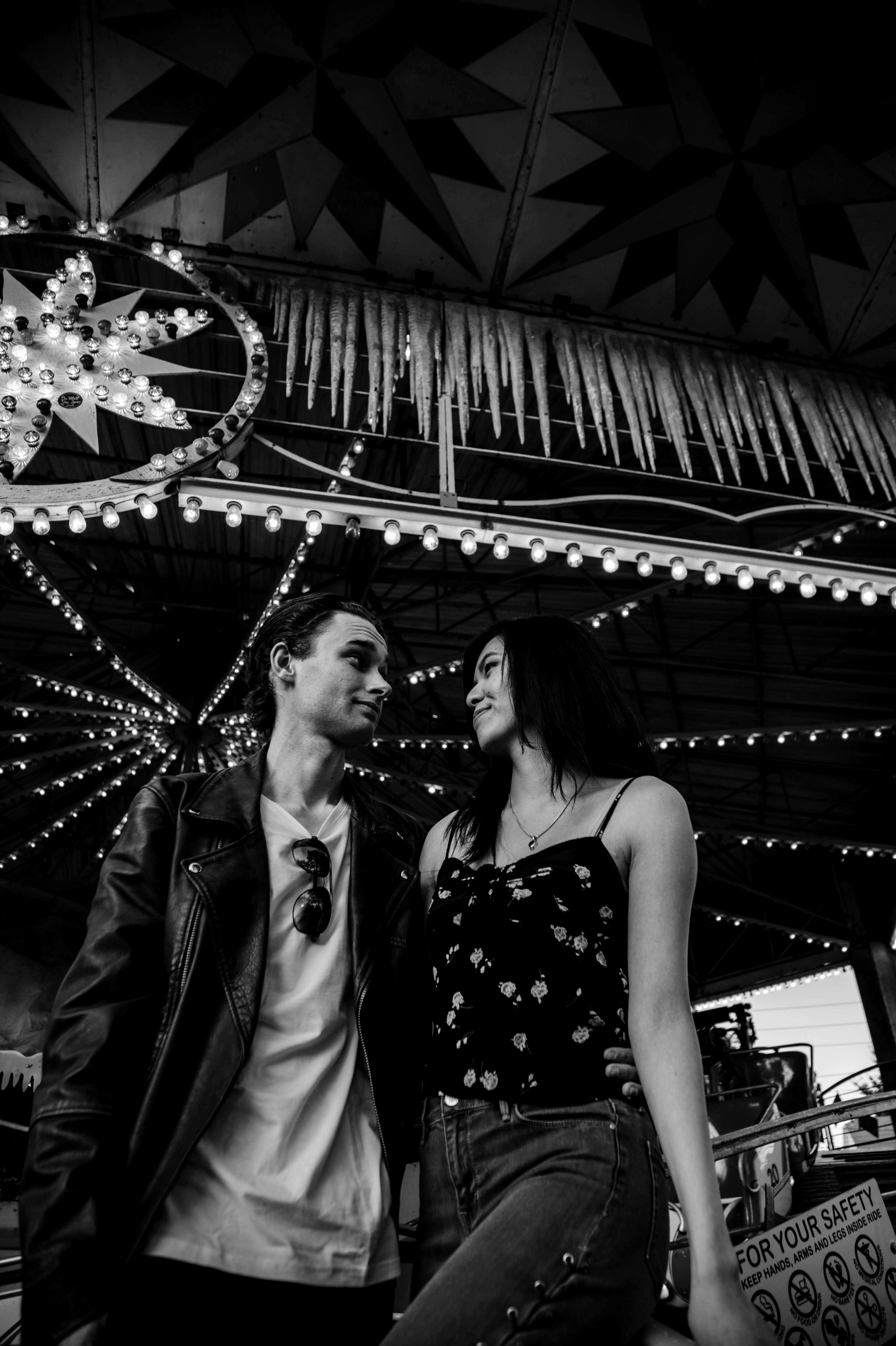 Lakeside Amusement Park Couples Photos