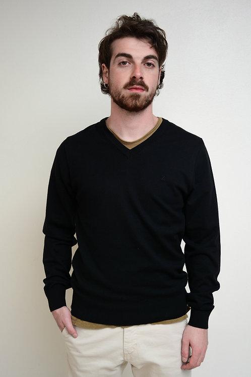 Suéter Clássico Decote V Preto