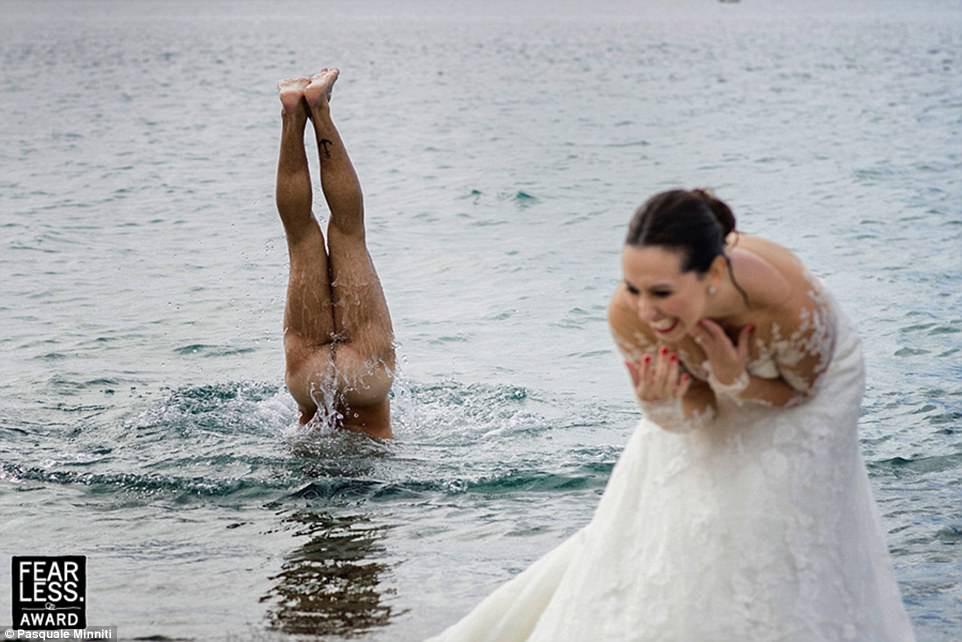 Un marié en toute décontraction...