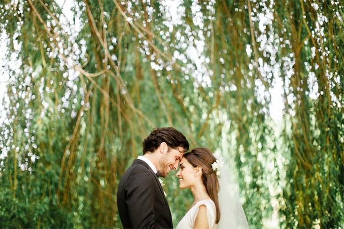Un mariage heureux sous les arbres
