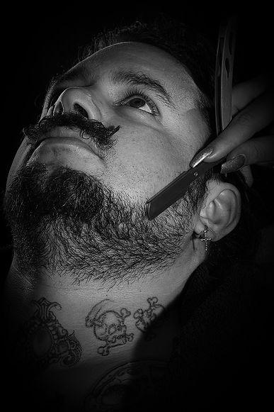 barberbeardbijdehand_edited_edited.jpg