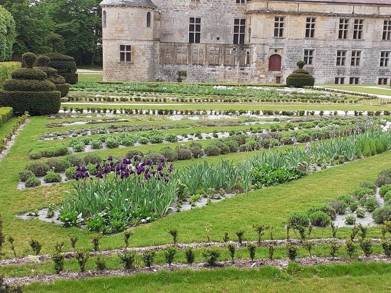 Jardin côté aile nord