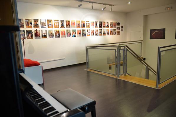 9 galeria c piano.jpg