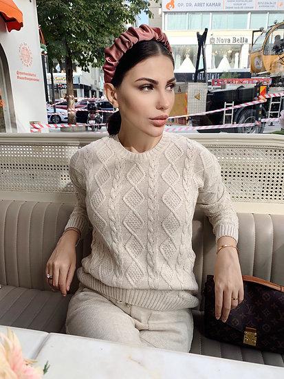 Lola Taç