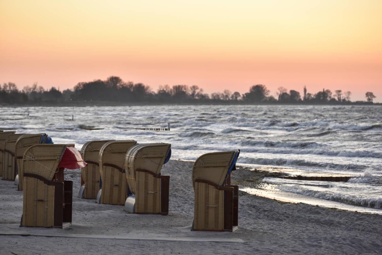 strandkoerbe-am-strand
