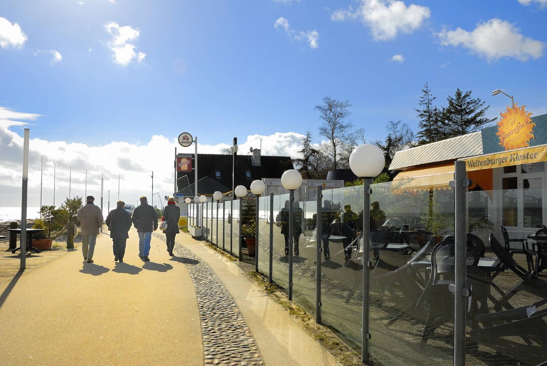 osterspaziergang-auf-der-promenade