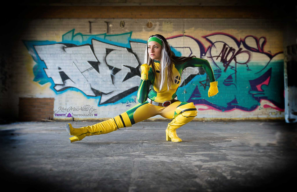 rogue in front kick pose