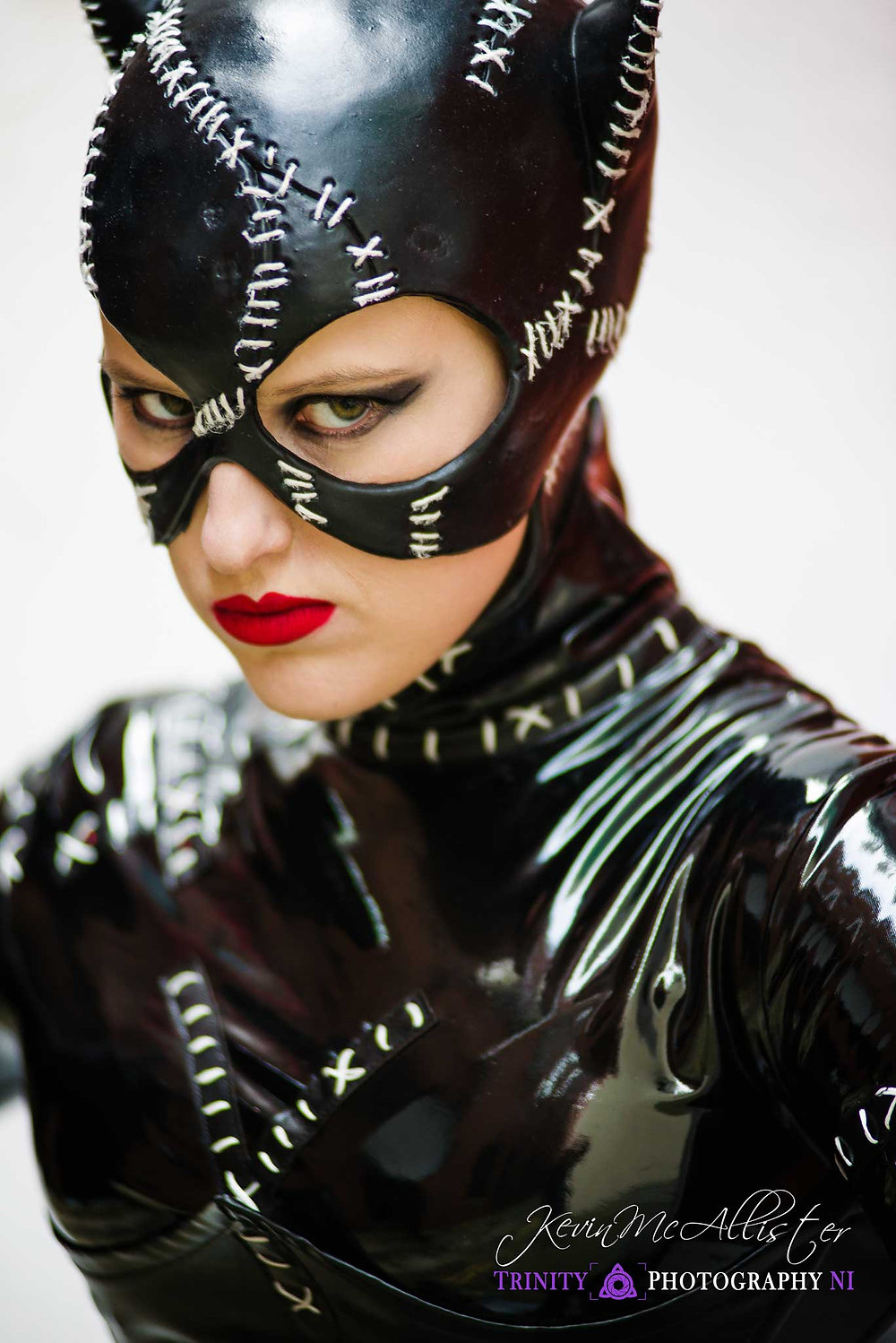 actress in a catwoman costume, cosplayer