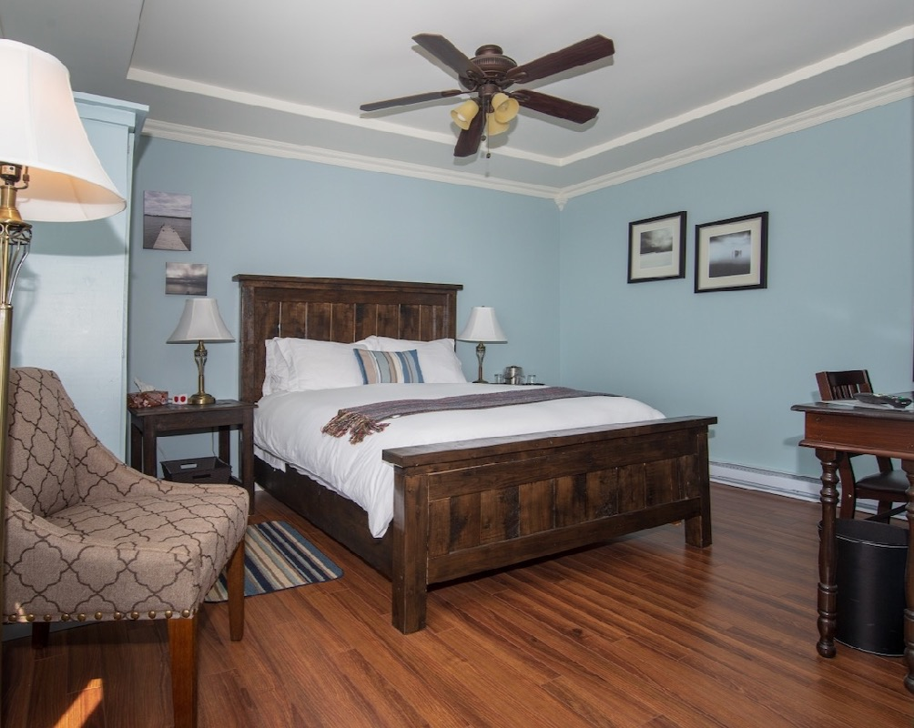 Bayside | Blue Cove Room