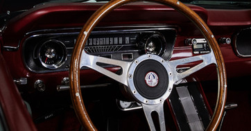 MUSTANG PONY ROUGE - detail volant.jpg