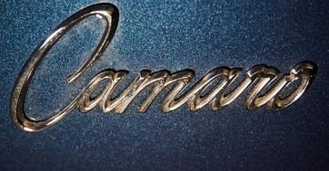 CAMARO Z28 BLEU - logo Camaro exterieur.