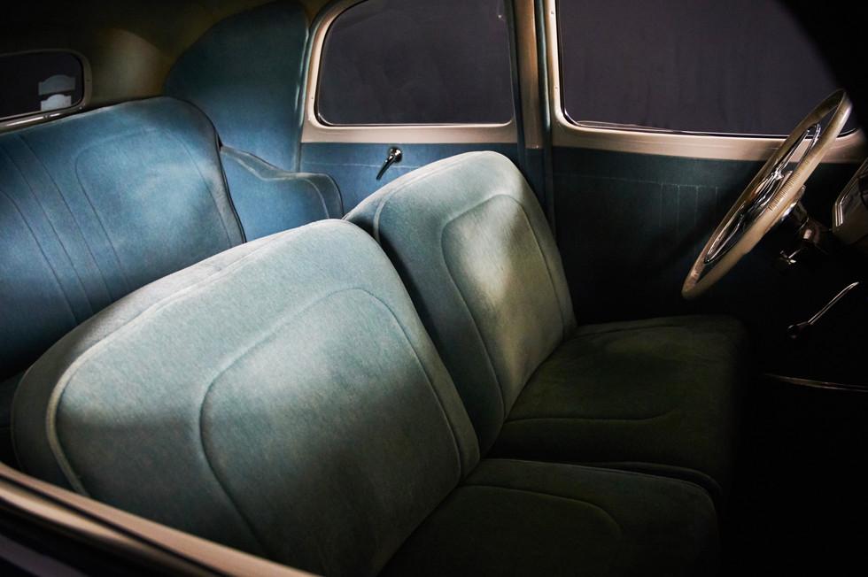 CITROEN TRACTION 15 6 Cylindres - En location chez Cougarstars, pour un mariage, un shooting, un tournage ...