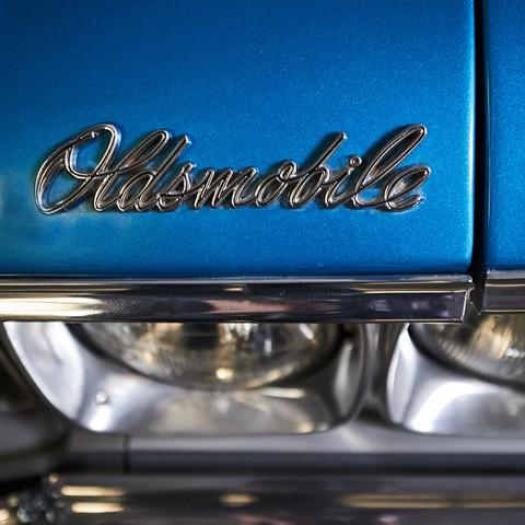 OLDSMOBILE CABRIOLET -  Location mariage avec ou sans chauffeur