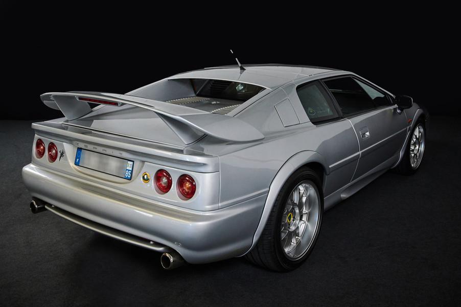 LOTUS Esprit V8 - Location évènementiel, shooting photo ... Livraison possible dans toute la France