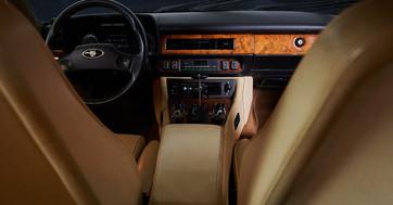 JAGUAR XJS V12 BLEU - interieur avant.jp