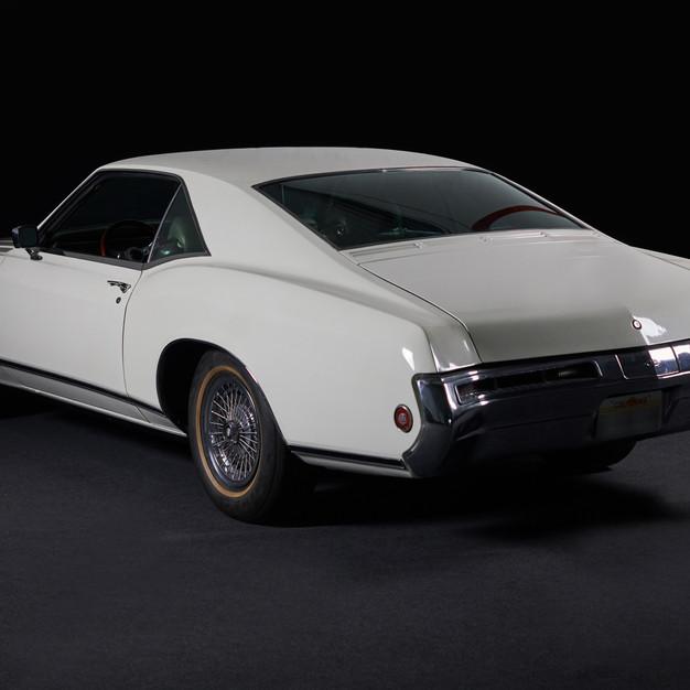 BUICK RIVIERA 1969 Muscle car de légende en location chez Cougarstars