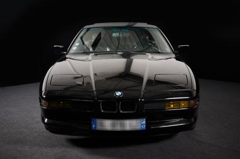 BMW NOIR- LOCATION DE VEHICULES DE COLLECTION EN PAYS DE LA LOIRE - LOUEZ VOTRE VOITURE DE PRESTIGE SUR NANTES OU FAITES VOUS LIVRER PARTOUT EN FRANCE