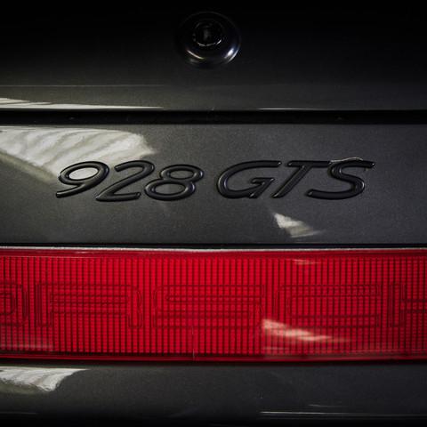 PORSCHE 928 GTS Location avec livraison