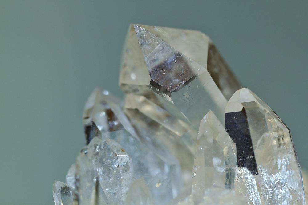 cristal de roche, lithothérapie, paris 17, soins énergétiques
