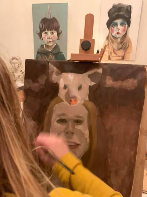 Kinderen schilderen met eigen gemaakte tempera!