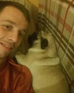 Ossie with me 😍 @wjanika #pugselfie #pu