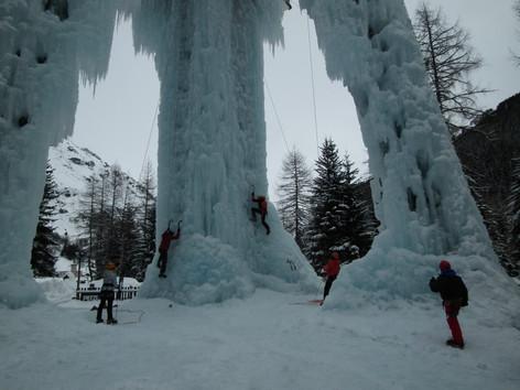 Sortie initiation escalade sur glace
