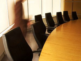 Value of Communications in Board Rooms
