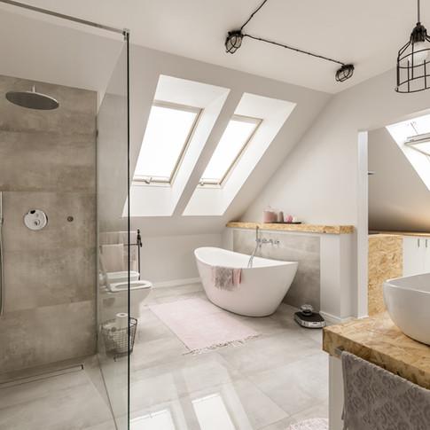 Modern Bathroom_edited.jpg