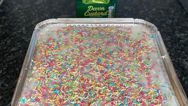 Sprinkle tray