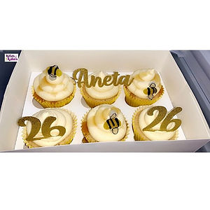 Bee themed vanilla cupcakes with vanilla