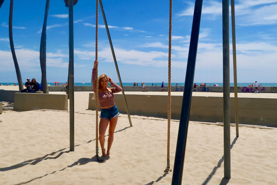Getting My Beach Body at Muscle Beach, Venice Beach Playground!