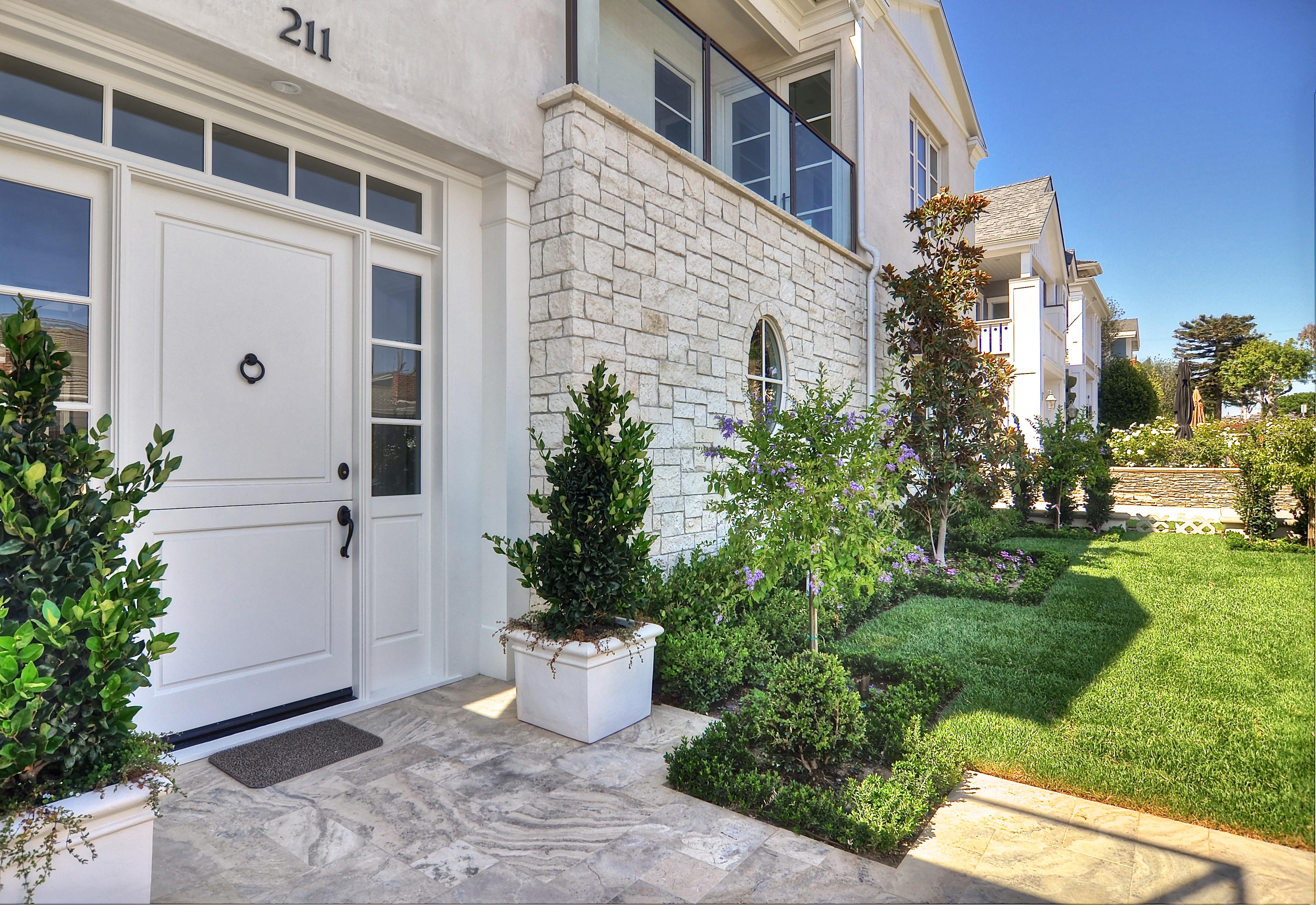 Front Door - yard