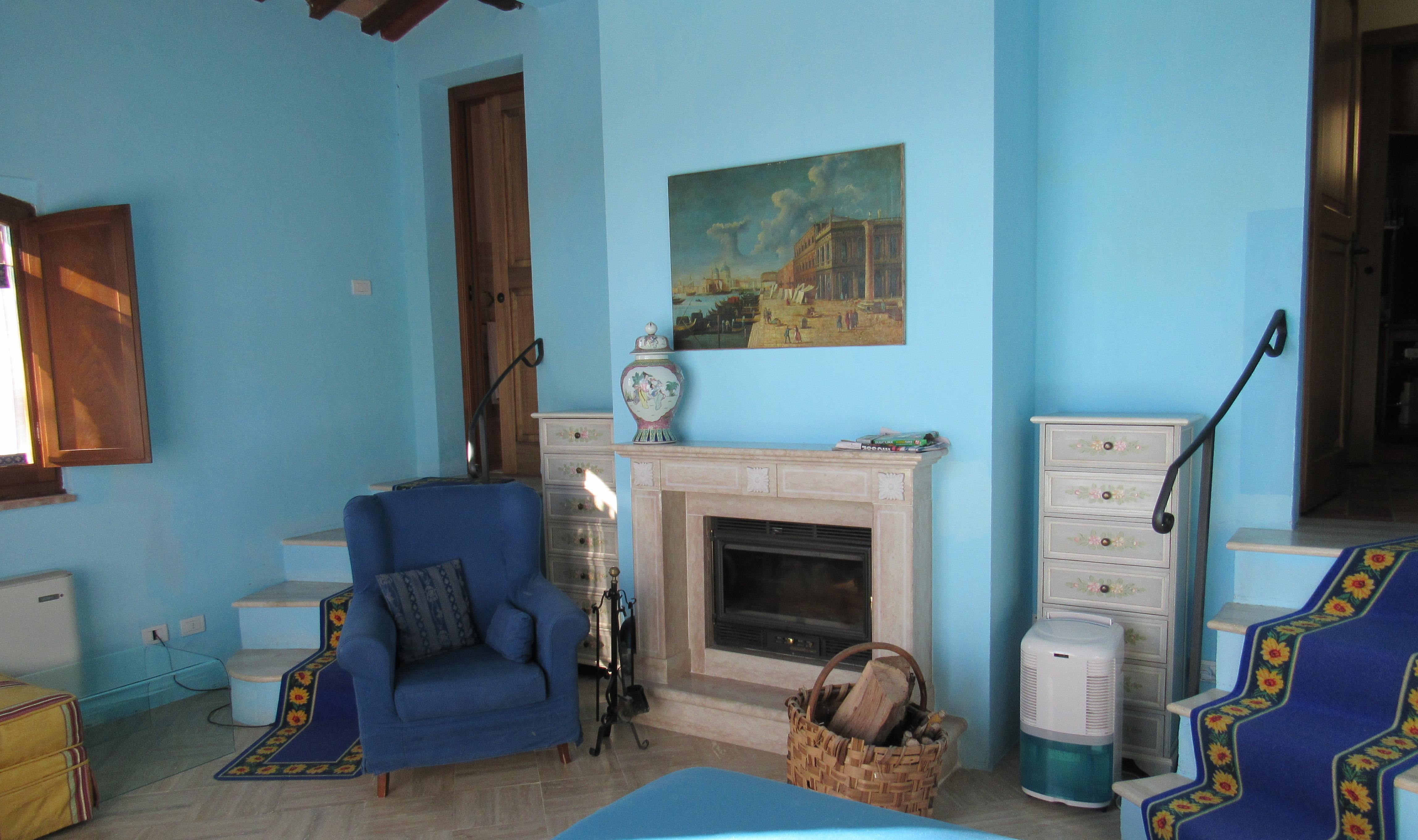 37. Tortore Cottage Bedroom