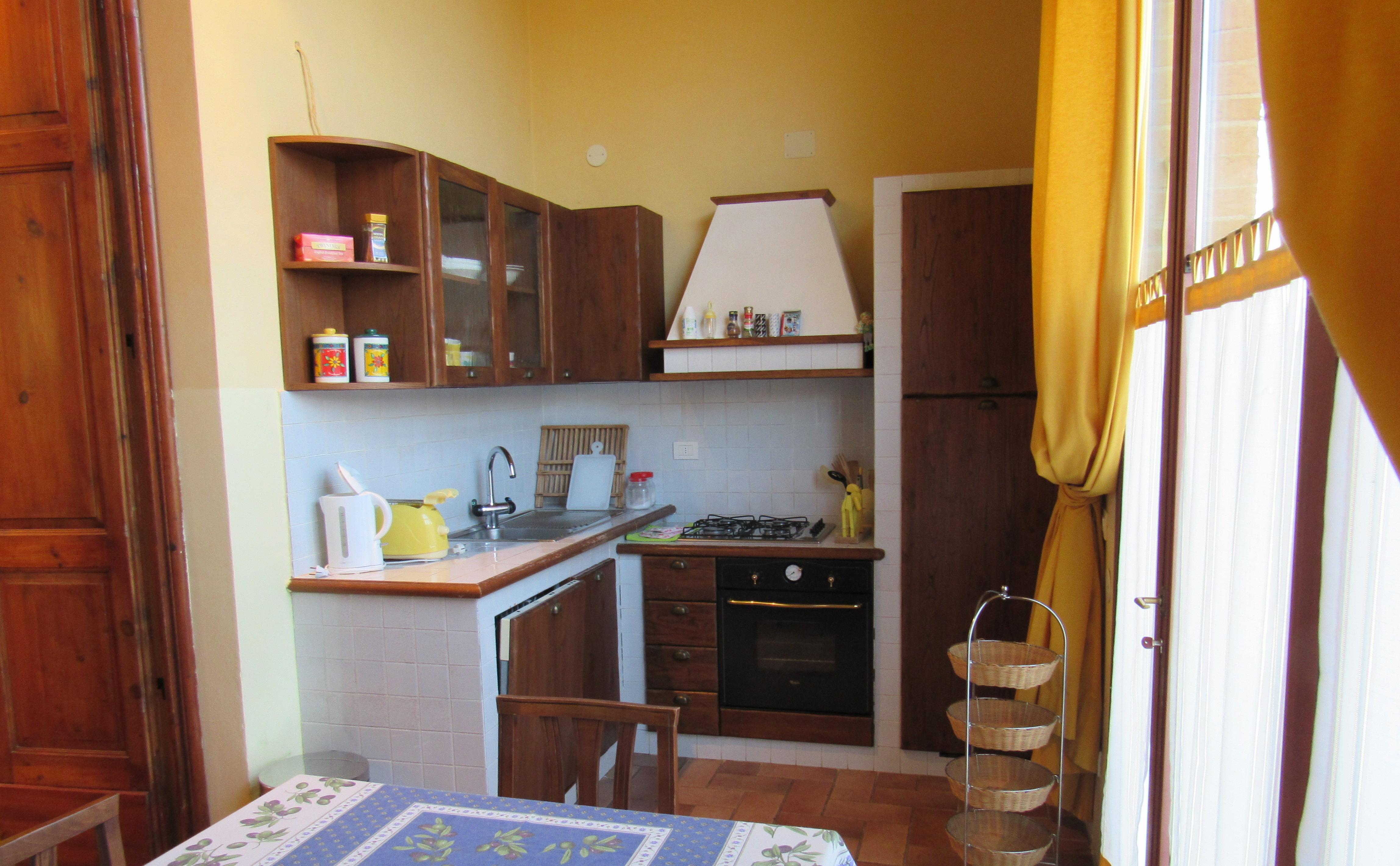 36. Tortore Cottage Kitchen