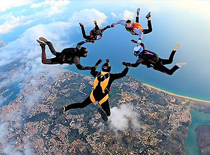 Skydive 5W formation over Algarve – Learn Formation Skydiving – Get FS1 sticker – Get USPA A license - The Skydiving Therapist