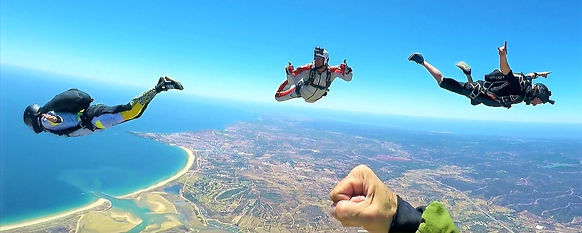 Formation Skydiving - Breakoff after a successful FS evaluation jump in Algarve – Earn FS1 qualification – Get FS1 Sticker - The Skydiving Therapist – Skydiving Instructor
