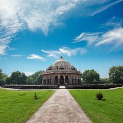 isa-khan-tomb-W2K7L5G.jpg