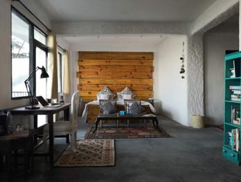 Kaarah-McLeodganj-bedroom.jpg