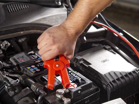 Что делать, если сел аккумулятор в автомобиле?