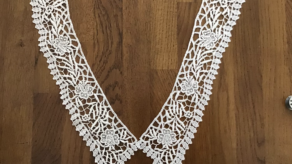 Collar or Pair of Lace Cuffs