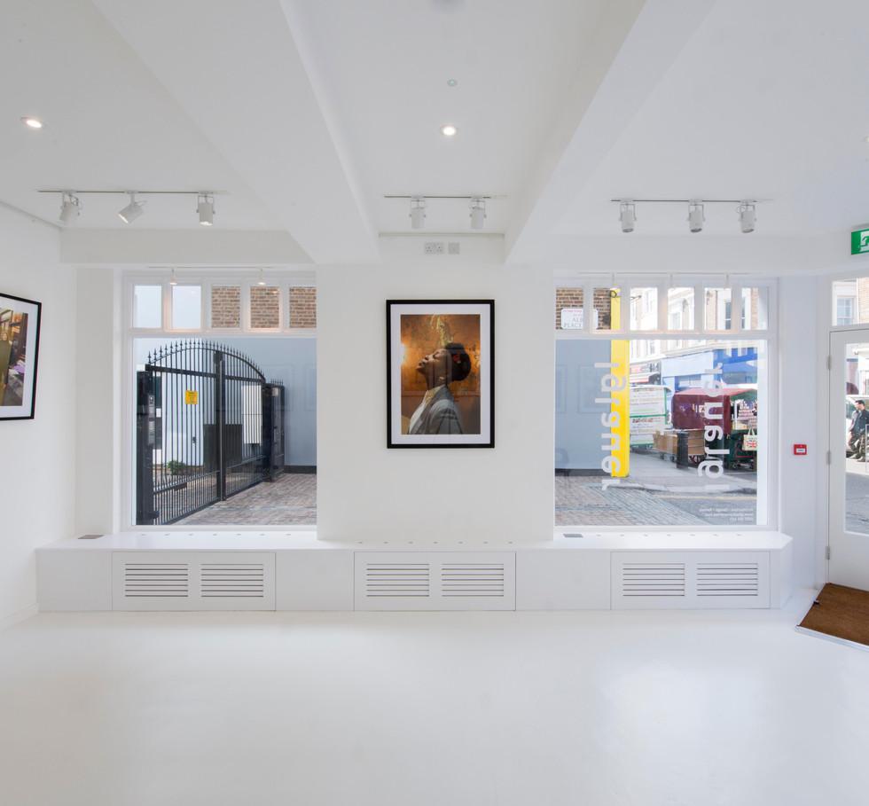 Gallery008.jpg